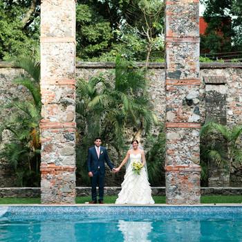 30 Fun Ideas for a Poolside Wedding
