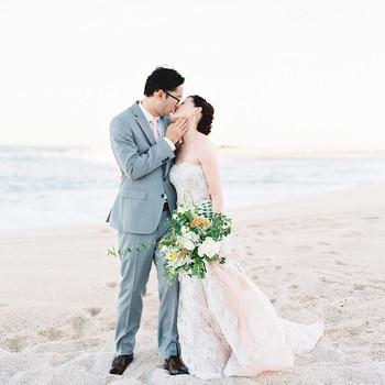 kirsten deran wedding couple kissing on beach