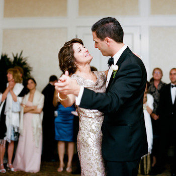 5 Wedding Tasks You Can Ask the Mother of the Groom to Handle
