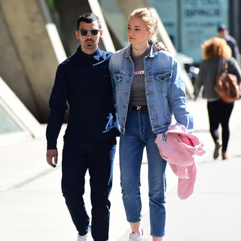joe jonas sophie turner walking