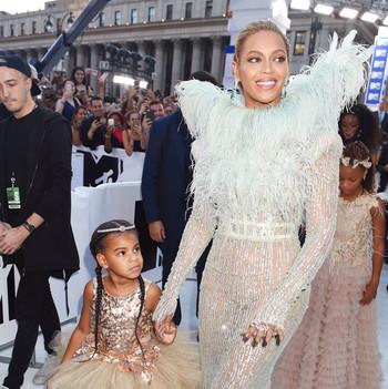 Blue Ivy Beyonce MTV VMAs 2016