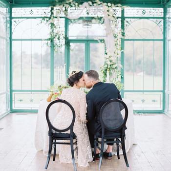 evan dustin vow renewal bride groom couple sweetheart table kiss