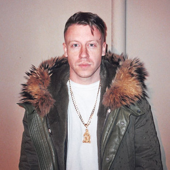 Macklemore Crashes a D.C. Wedding with Help From His Mom!
