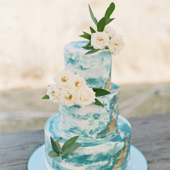 blue-and-green wedding cake