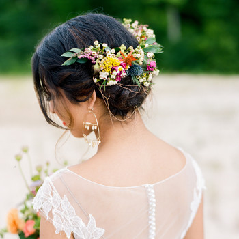 9 Easy Ways to Change Your Wedding Hairstyle for the Reception