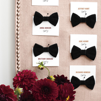 Velvet Bows Escort-Card Display