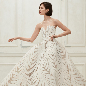 Oscar de la Renta off the shoulder leaf pattern wedding dress fall 2019