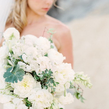 11 Lucky Flowers to Include in Your Wedding Arrangements