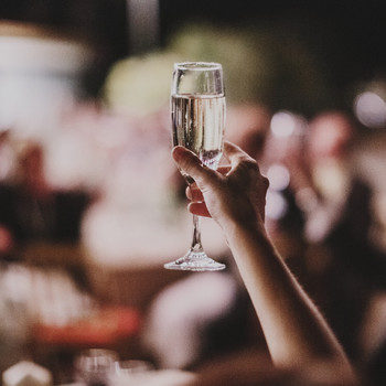 What NOT to Do While Giving a Wedding Toast