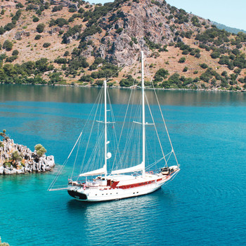 The Best Cruises for an Intimate (and Romantic!) Honeymoon