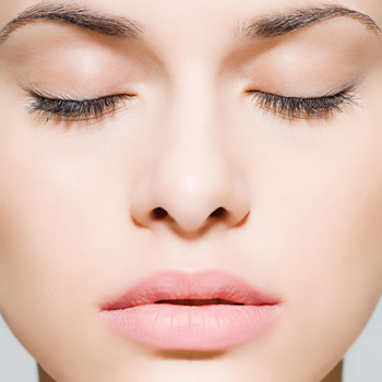 What Is Microneedling, and Is It Really a Good Way to Get Your Skin Ready for the Wedding?