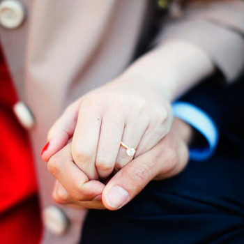 What Guys Want to Know About Engagement Rings—But Are Too Embarrassed to Ask