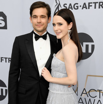 rachel brosnahan and jason ralph sag awards 2019 red carpet