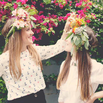 Plan a Bridal Shower to Bring Out the Flower Child in All Your Guests