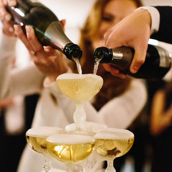 Do You Have to Let Your Guests Give Wedding Toasts?