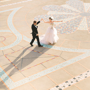 Your Ultimate Guide to Throwing a Destination Wedding All Your Guests Will Love