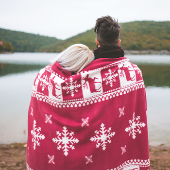 How to Decide Where You'll Spend the Holidays as Newlyweds