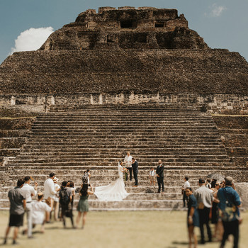 wedding ceremony at mayan temple