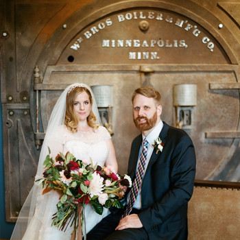 Modern Touches Elevate This Romantic Fall Wedding
