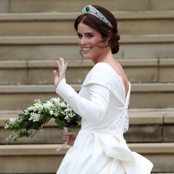 princess eugenie waving at royal wedding
