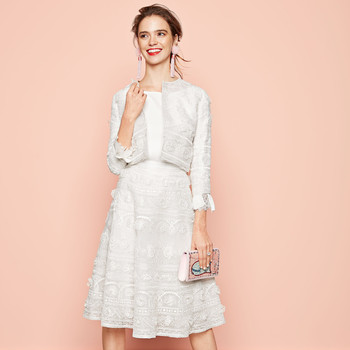 white floral embroidered skirt suit oscar de la renta