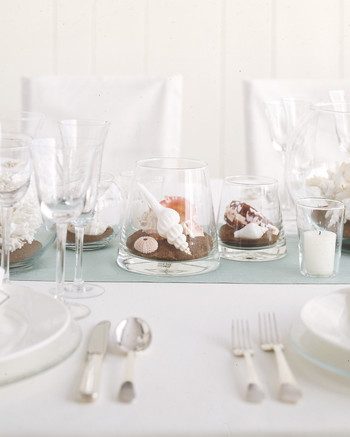 diy-beach-wedding-ideas-seashell-terrarium-centerpiece-su05-0615.jpg