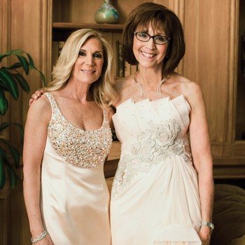 Wedding Makeup Tips Every Mother of the Bride Who Wears Glasses Need to Know