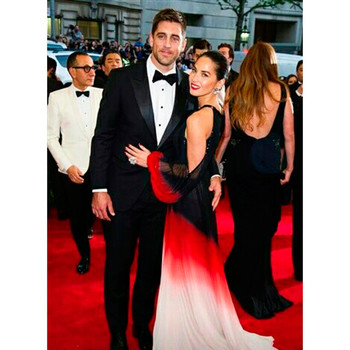 How Many Different Ways Can Olivia Munn Say She's Not Engaged to Aaron Rodgers?