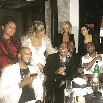 Alicia Keys and Swizz Beatz, Beyoncé and Jay Z, Lauren Branche and Steve Stout, Kim Kardashian and Kanye West, and Sean Combs and Cassie all pose for a photo after the 2016 VMAs