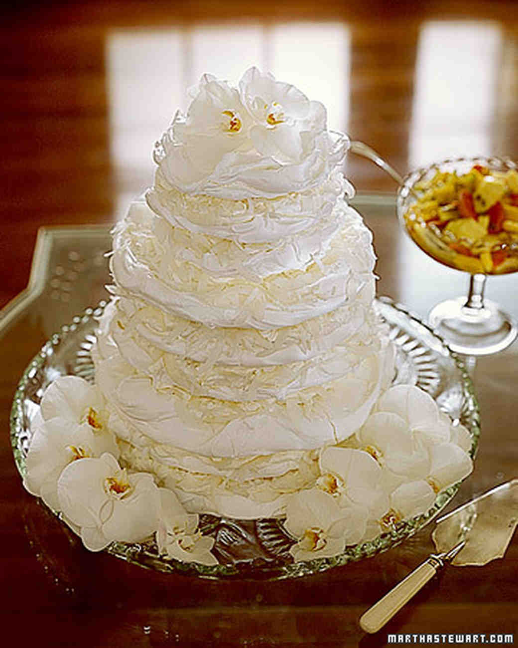 meringue wedding cake meringue wedding cakes martha stewart weddings 17263