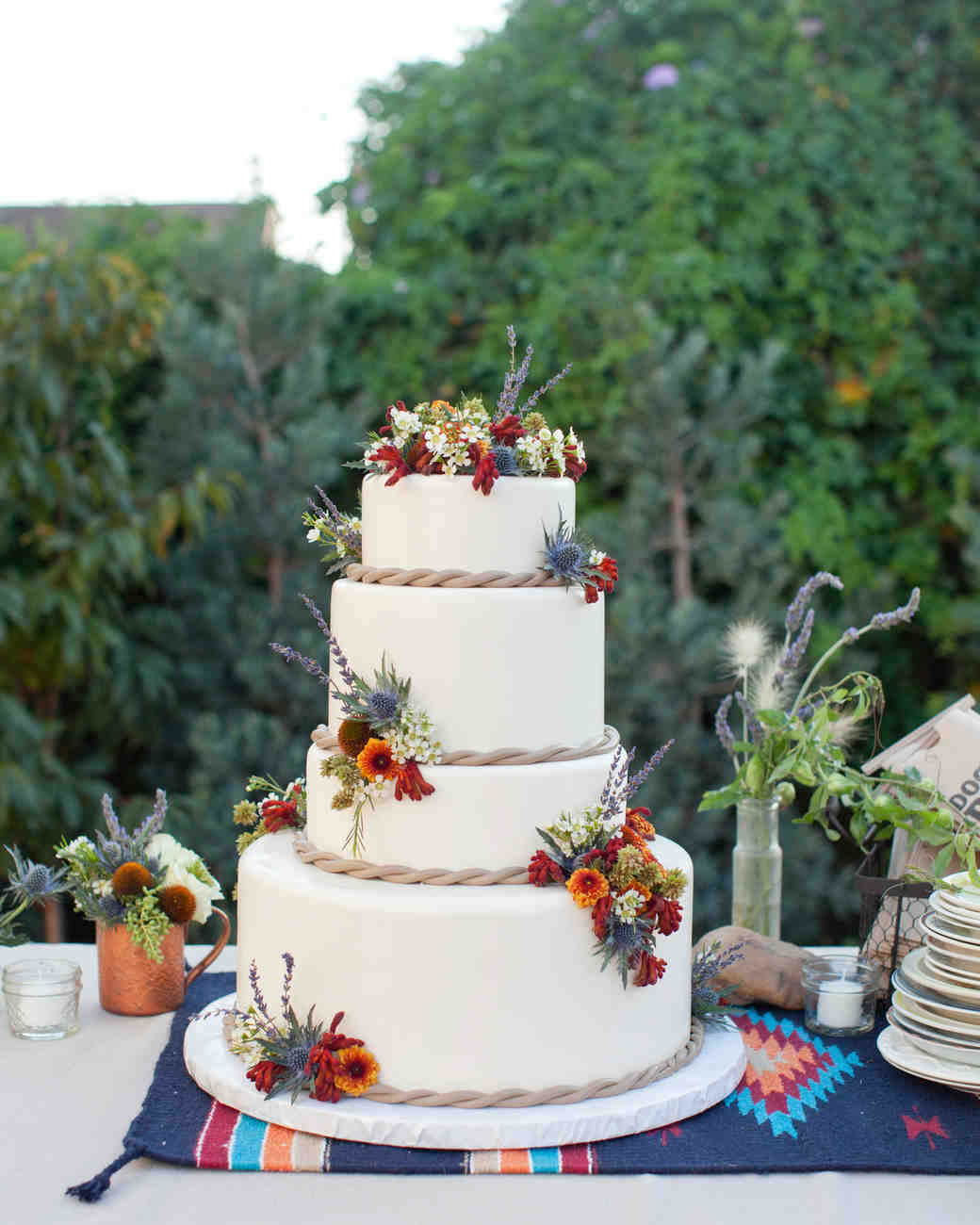 29 Summer Wedding Cakes That Were Sweet On