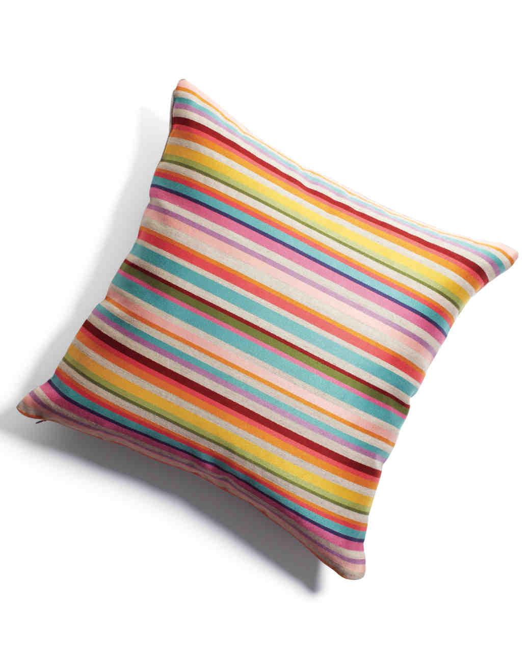 pillow-mwd108181.jpg