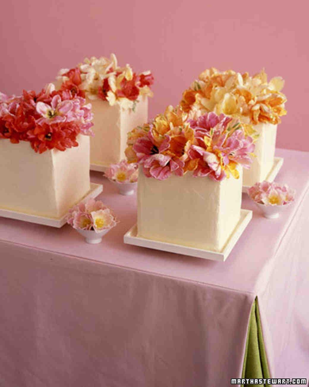 062805_wed_cake01.jpg