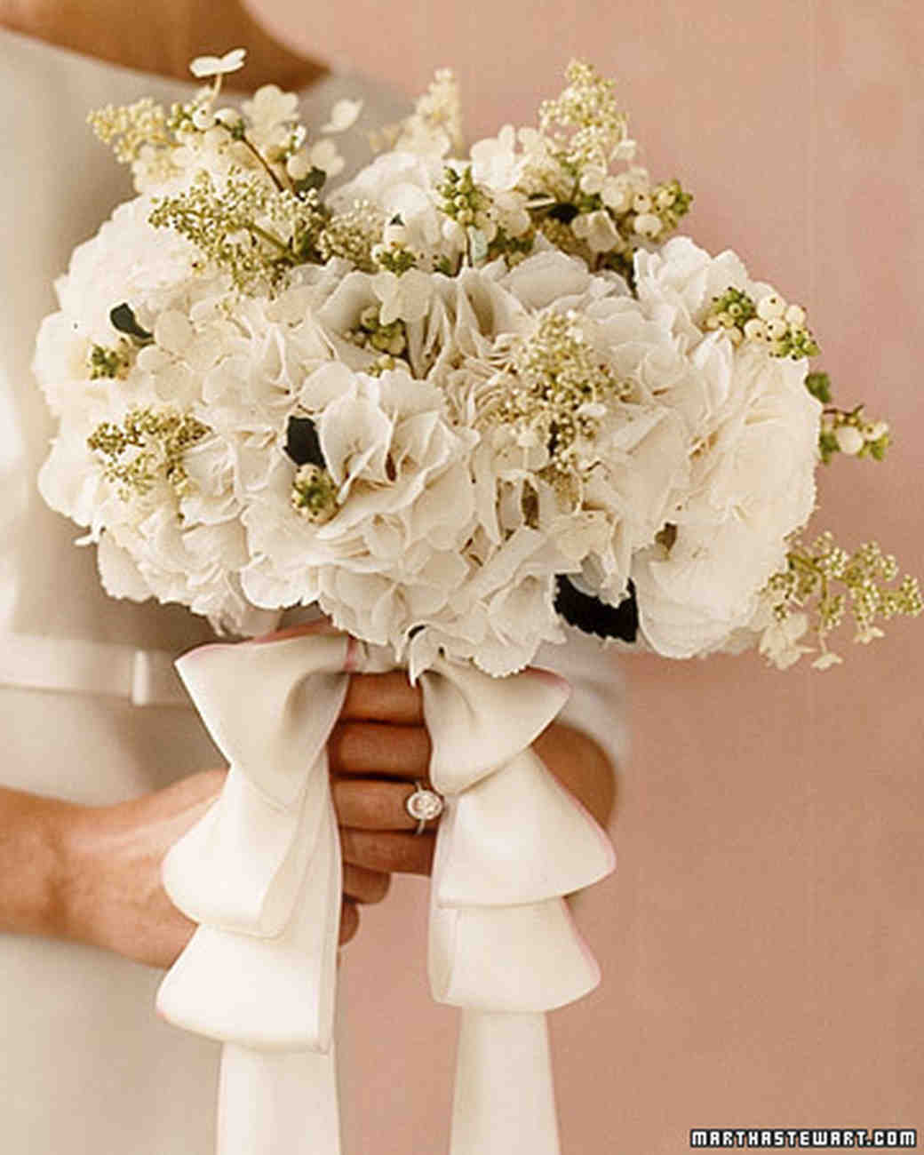 white hydrangea wedding bouquet hydrangea wedding flower arrangements martha stewart 1342