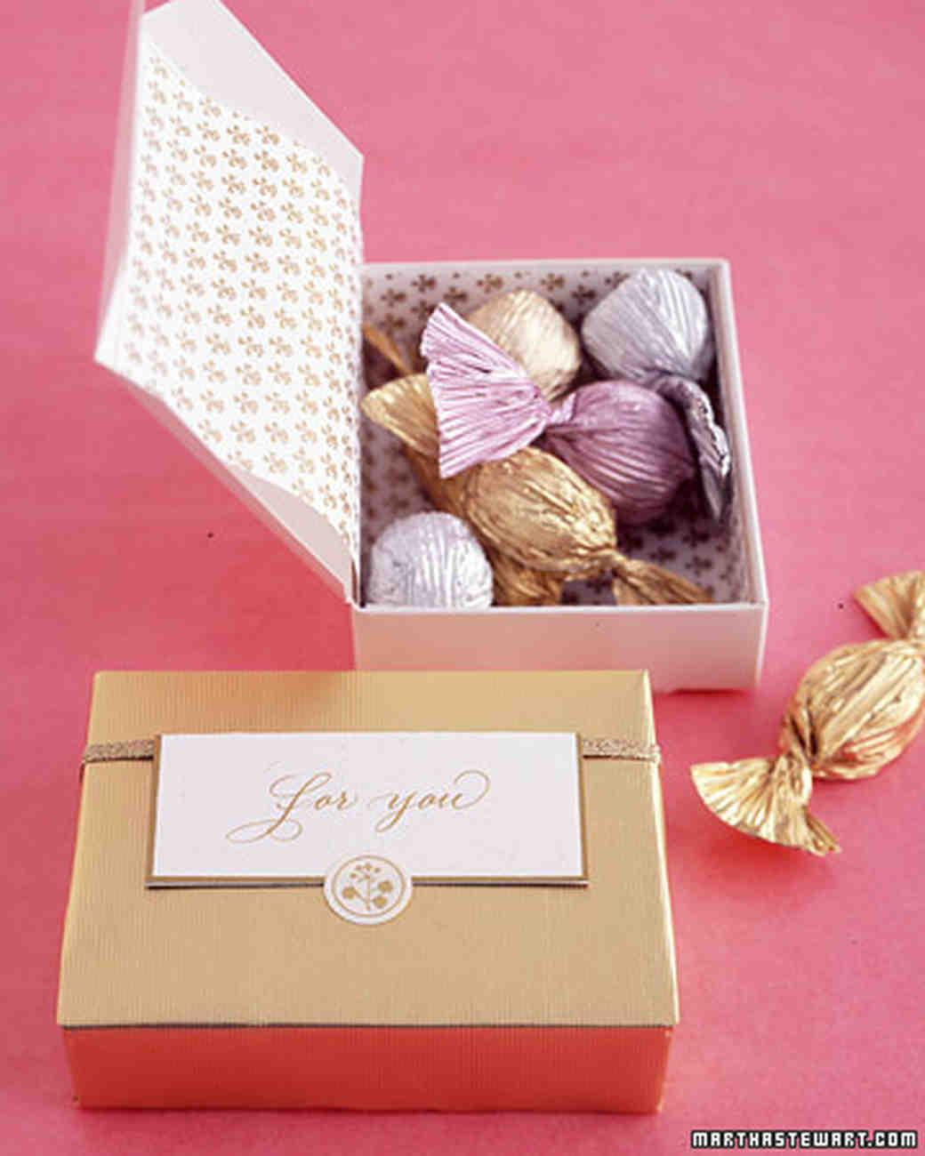 & Candy Wedding Favor Ideas   Martha Stewart Weddings Aboutintivar.Com