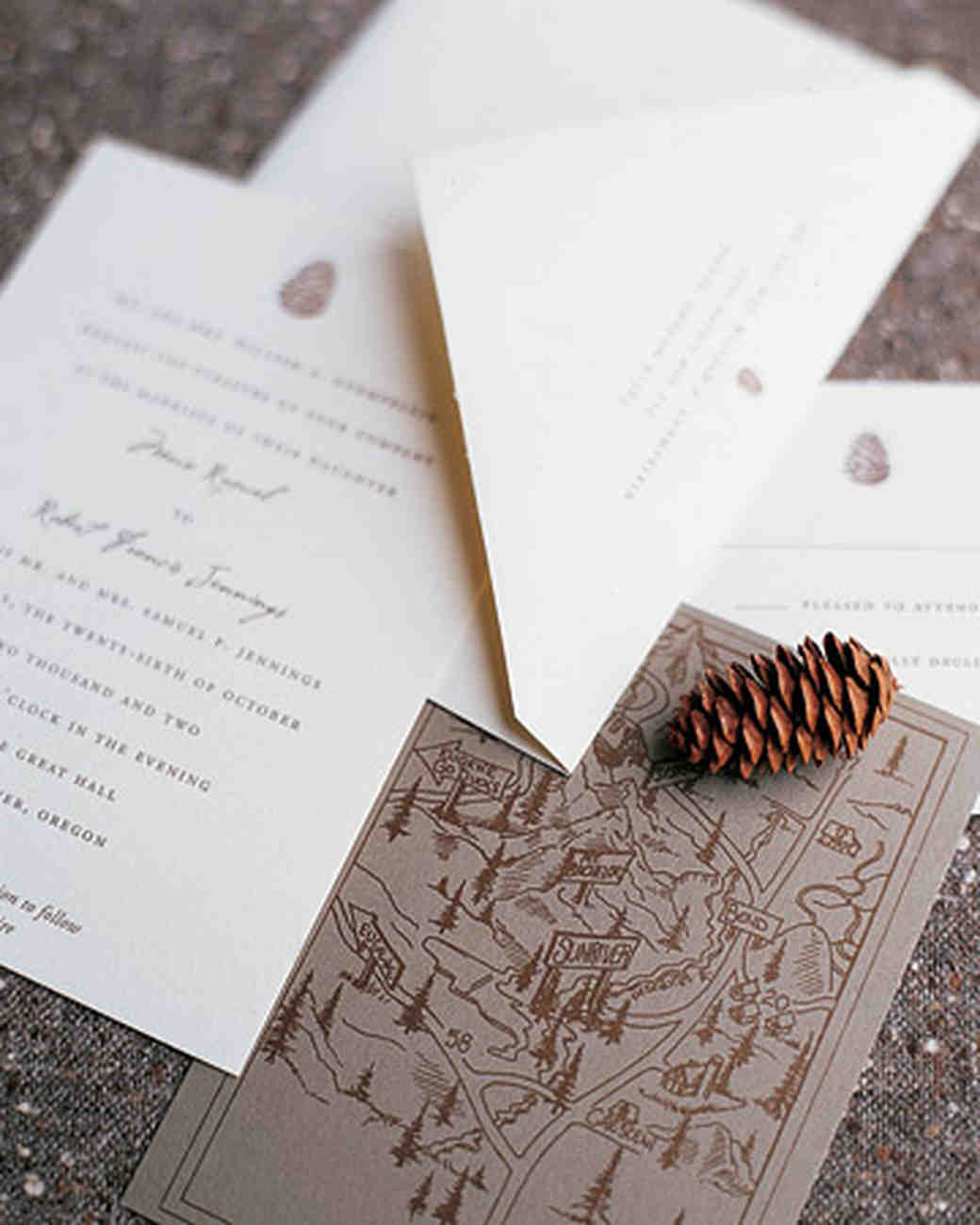 Pinecone-Themed Stationery