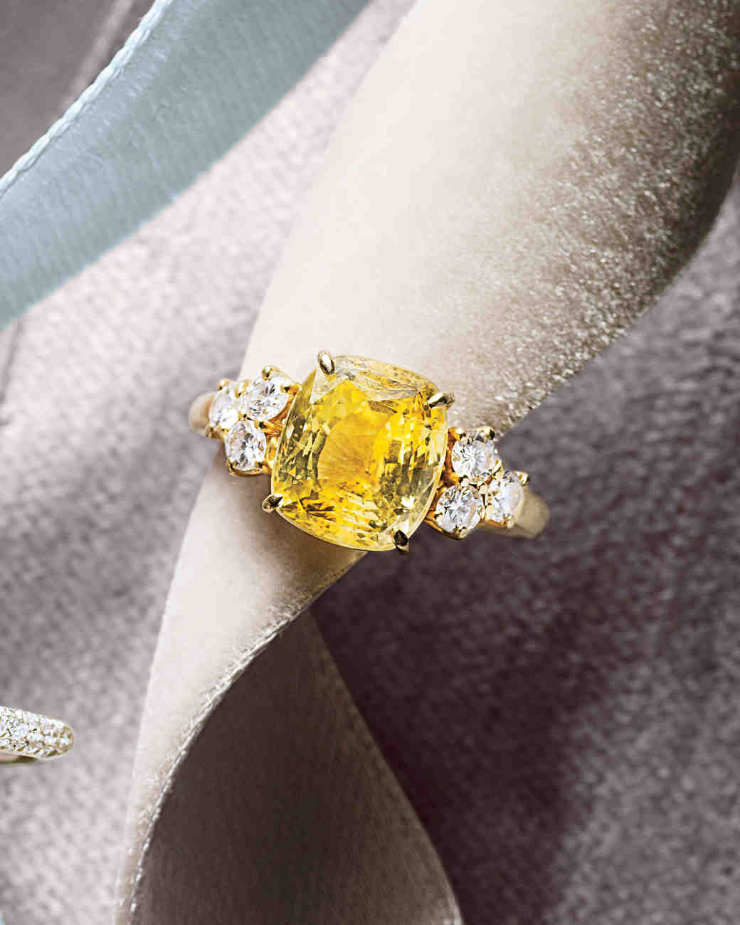 44 Engagement Rings With Brilliant Cut And Color Martha