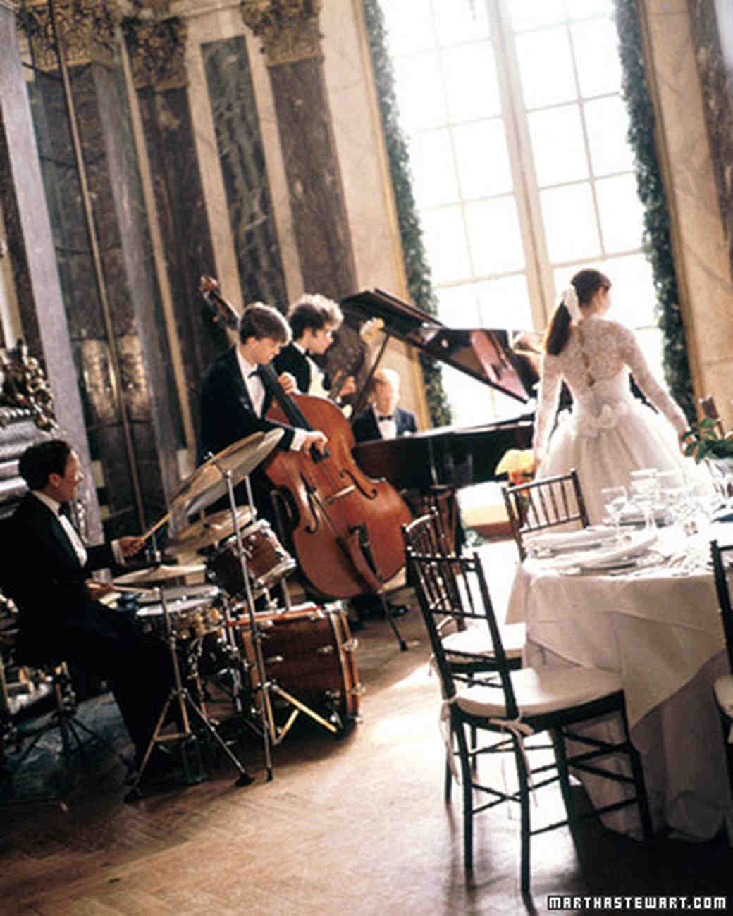 Helpful tips for tipping wedding vendors martha stewart weddings musicians and deejays junglespirit Image collections
