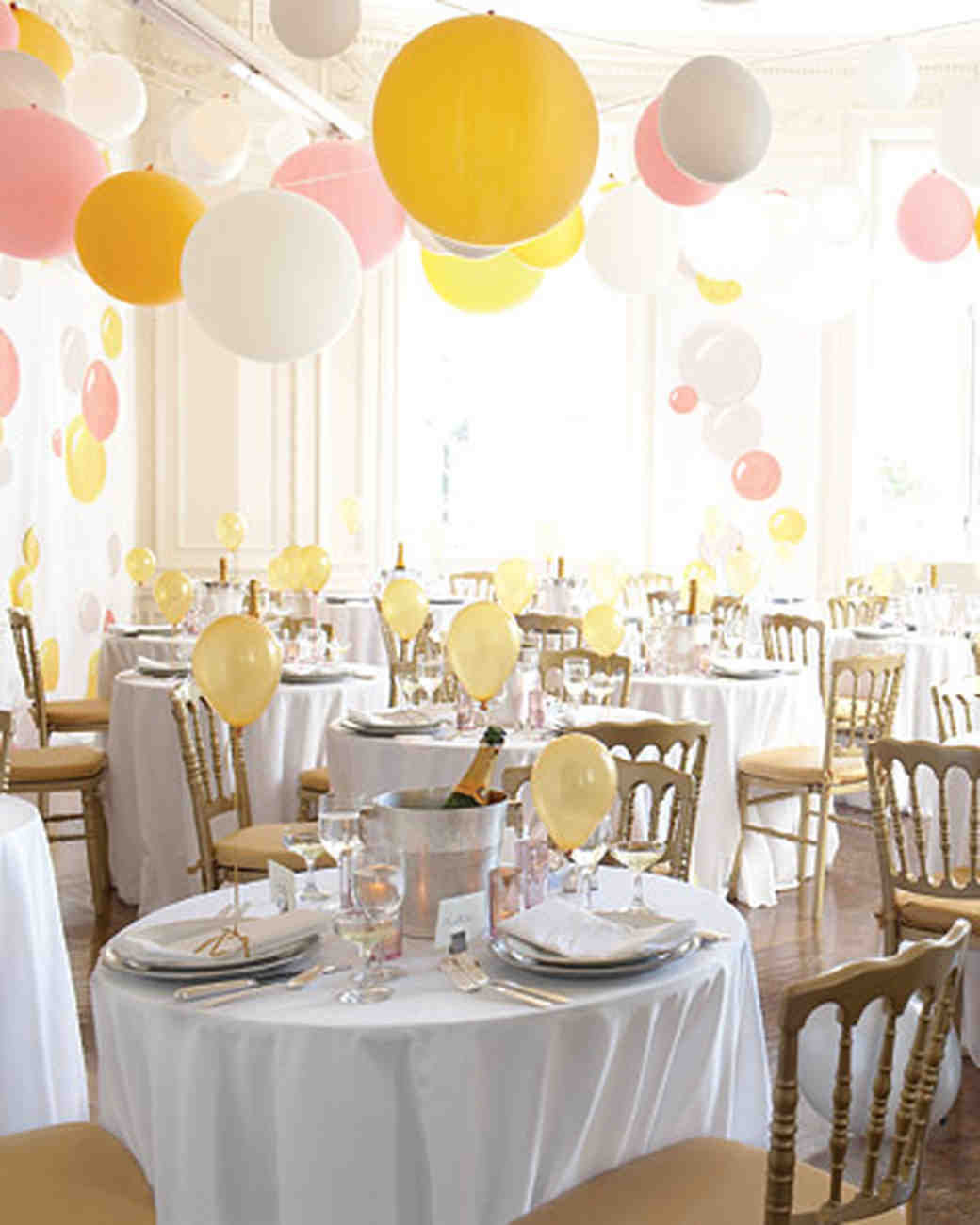 Diy balloon wedding decor martha stewart weddings junglespirit Images
