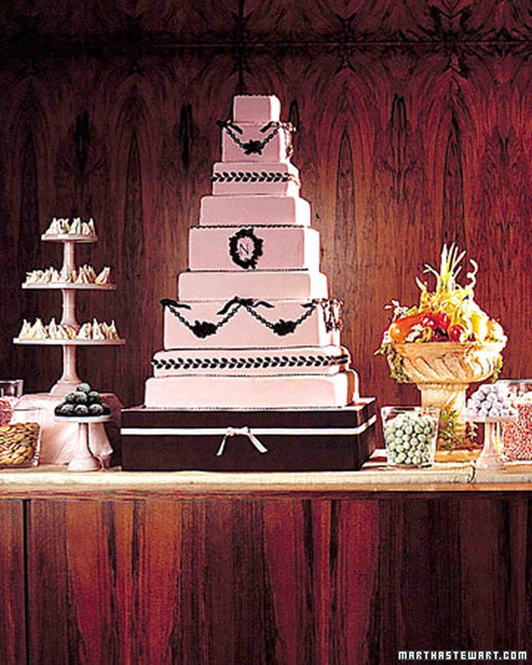 wa98850_fall01_cake.jpg