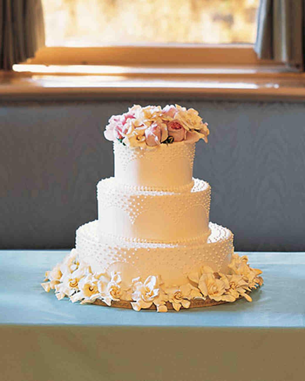 buttercream cakes from real weddings | martha stewart weddings