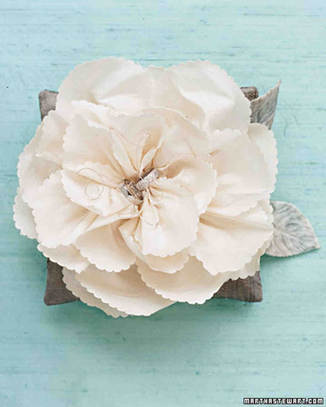 How to make paper and fabric flowers for your wedding martha how to make paper and fabric flowers for your wedding martha stewart weddings mightylinksfo