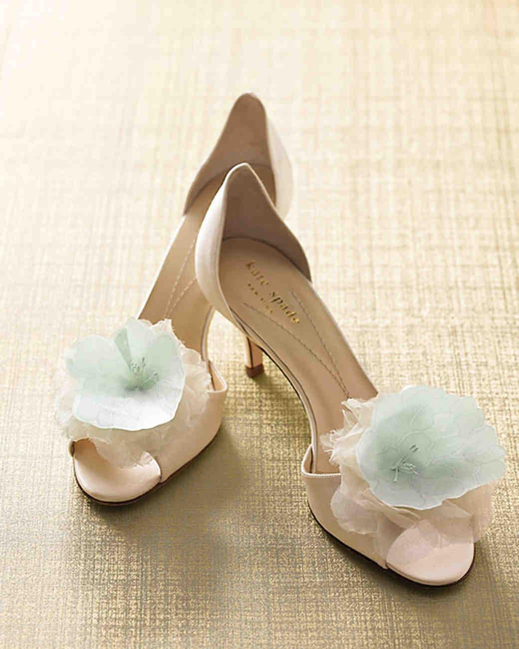 mwd104646_spr09_shoes.jpg