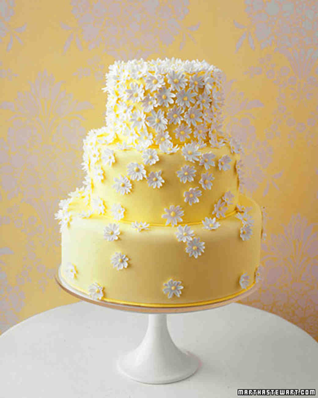 Wedding colors yellow and white martha stewart weddings wedding cake with daisies junglespirit Gallery
