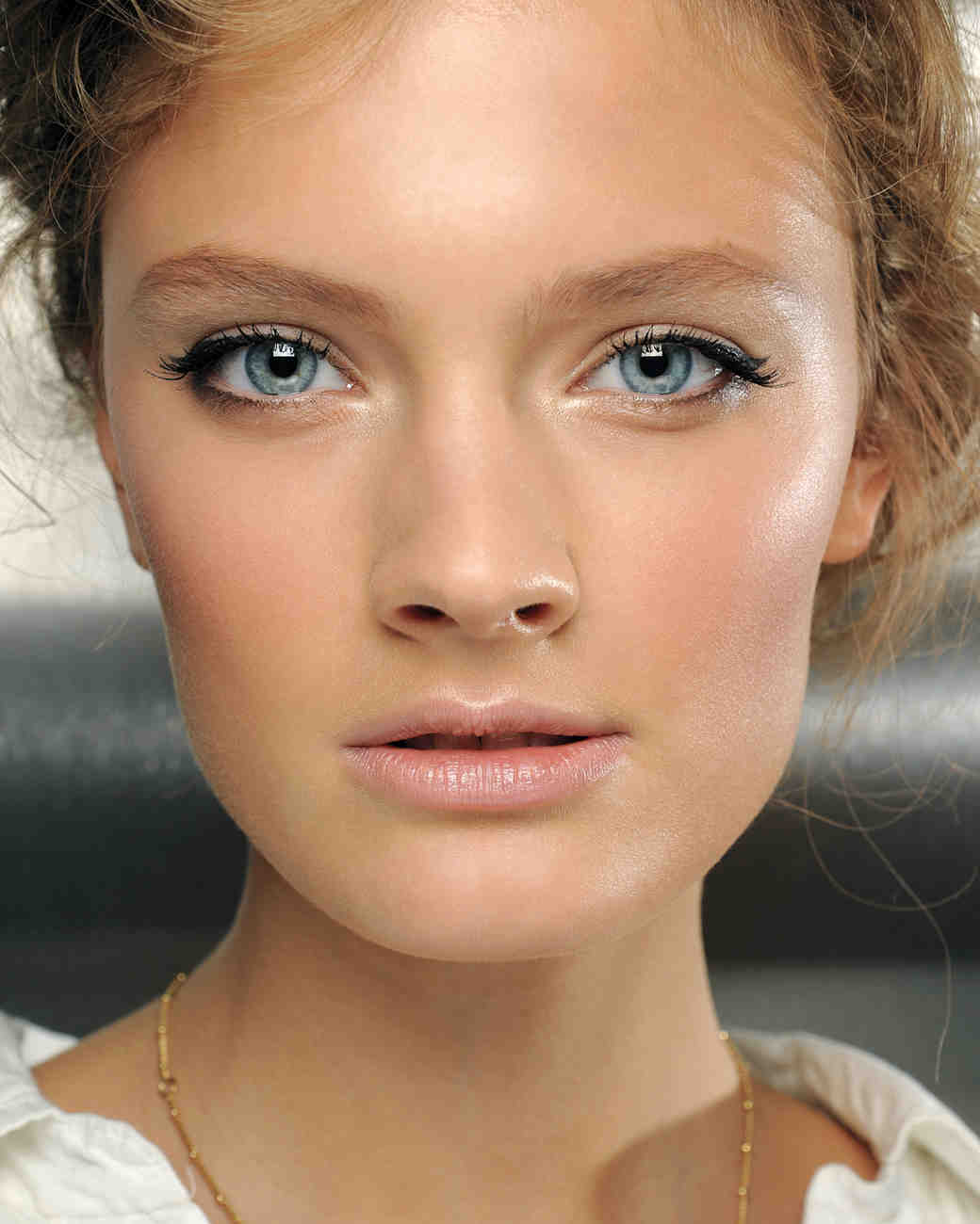 How to Make Winged Eyeliner Look Bridal