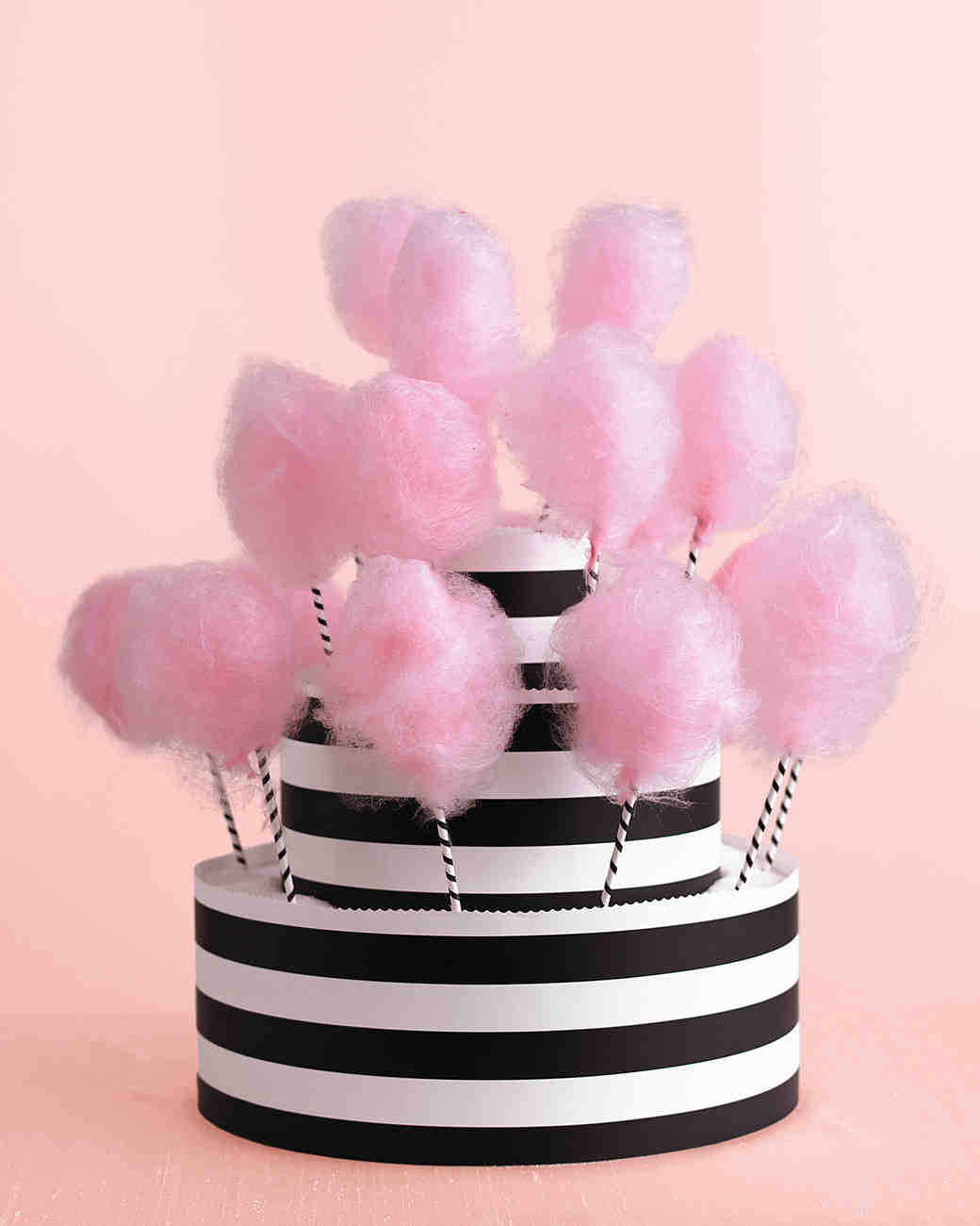 Creative Ways to Incorporate Black, White, and Pink Into Your ...