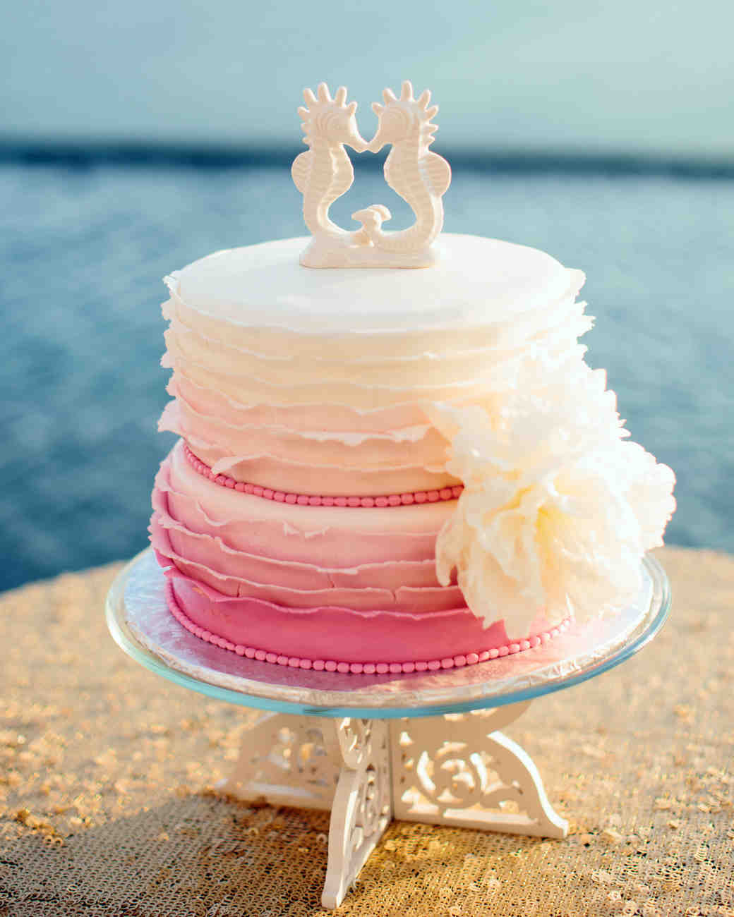 beach theme wedding cake pictures 25 amazing wedding cakes martha stewart weddings 11163