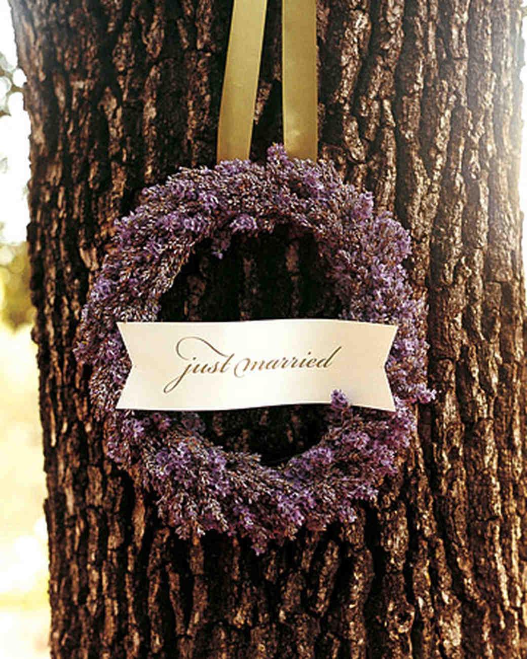 mwa101753_sum06_wreath.jpg