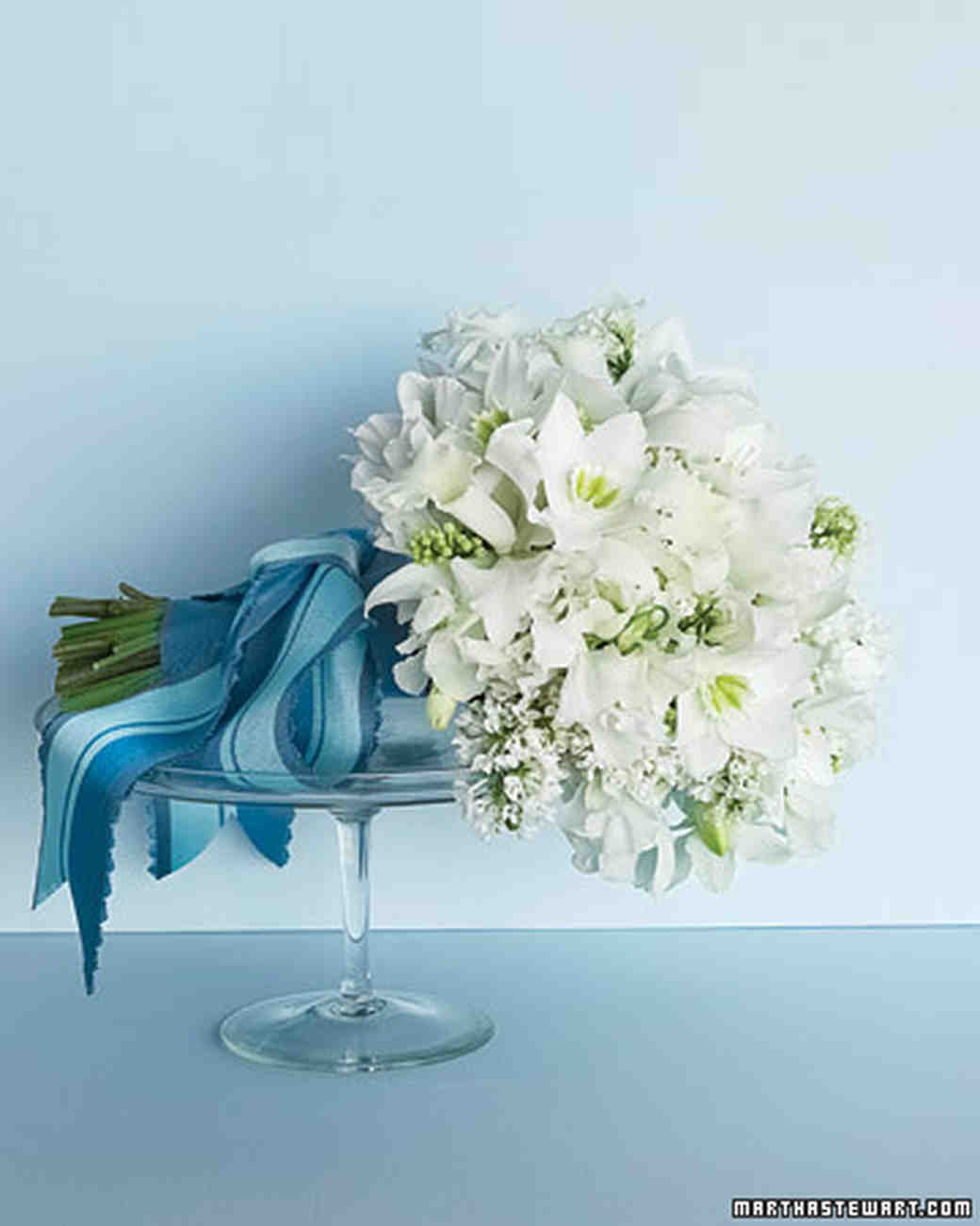 Blue And White Flowers For Weddings: Wedding Colors: Blue And White