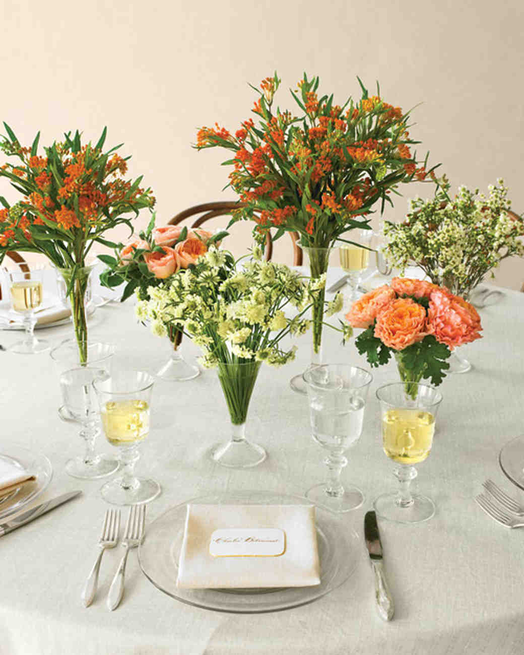 Simple Centerpiece Flower Arrangements : Simple wedding centerpieces martha stewart weddings